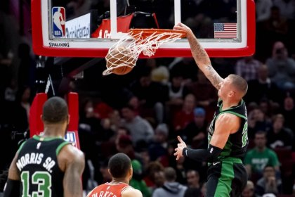 NBA roundup: Celts win by 56, make history with Bulls