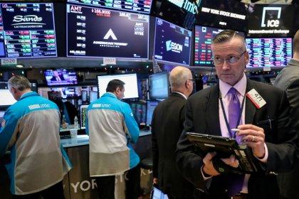 Wall Street termina dia volátil em alta; tecnologia ajuda e Brexit pesa