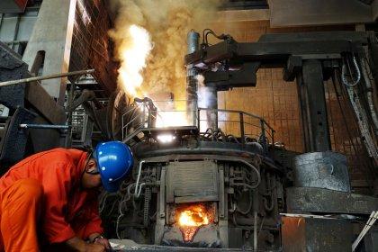 نمو إنتاج الصين الصناعي ومبيعات التجزئة دون التوقعات في نوفمبر