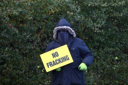 Cuadrilla pauses gas fracking again following more tremors