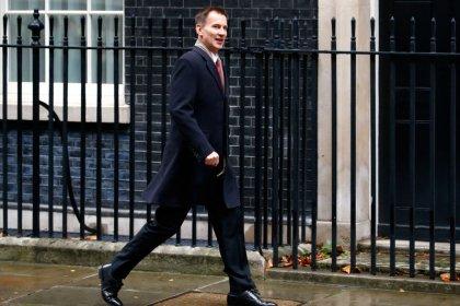 Un ministro británico advierte a la UE sobre el peligro de un Brexit desordenado