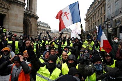 """Les entreprises paieront pour les """"Gilets jaunes"""", selon le Parisien"""