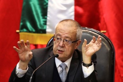 Mexico's new government sees income, spending jump in first budget