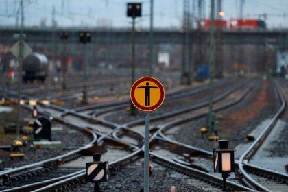 Bundesregierung verlangt Umbau der Deutschen Bahn