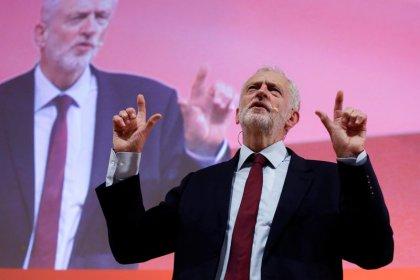 Labour will May zu Brexit-Abstimmung vor Weihnachten zwingen