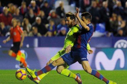 Messi capitanea la goleada del Barça al Levante