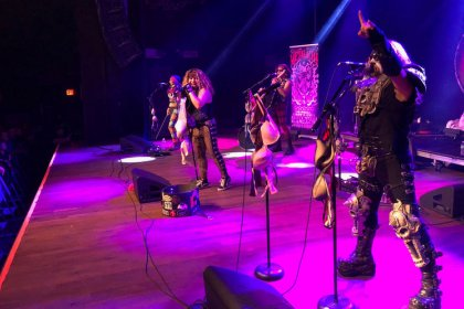 Metal or mariachi? Metalachi offers best of both music worlds