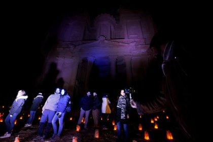ارتفاع الدخل السياحي للأردن 13% في 11 شهرا