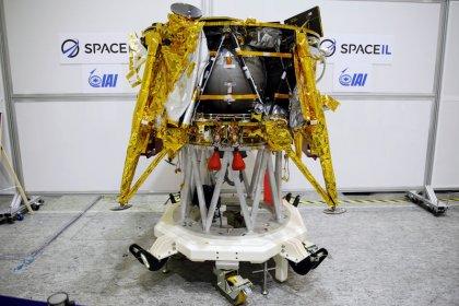 استكمال التجهيزات النهائية لإرسال مركبة فضاء إسرائيلية للقمر