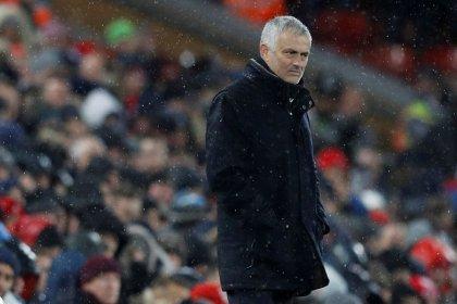 Mourinho deja el Manchester United tras un mal inicio de temporada