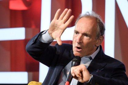 """Berners-Lee dice que la World Wide Web, en su cumpleaños número 30, debe salir de la """"adolescencia"""""""