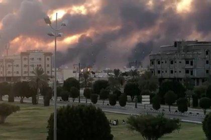 Attacks on Saudi facilities threaten spare oil capacity, price hikes