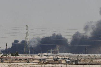 Iran dismisses U.S. claim it was behind Saudi oil attacks, says ready for war