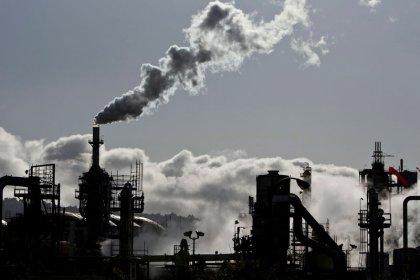 Investors turn heat on Big Oil ahead of U.N. climate summit