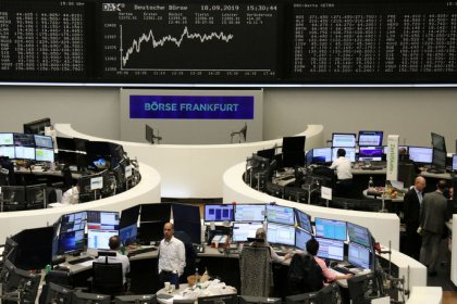 European shares rise as banks lead gains
