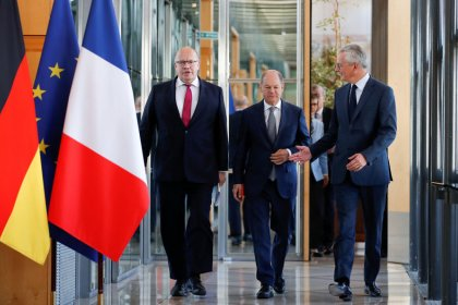 France urges Germany to act on economy sooner rather later