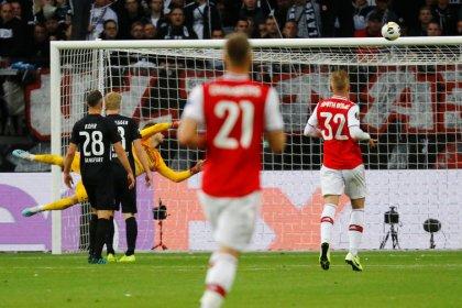 Teenager Saka scores as Arsenal win at Frankfurt in Europa League