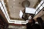 Ibovespa recua pressionado por bancos após ânimo com chance de mais cortes de juros