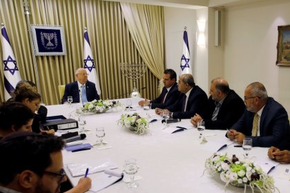 Israel's Arab party support pushes Gantz ahead of Netanyahu