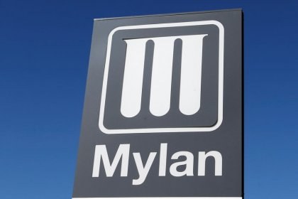 U.S. SEC sues Mylan for concealing possible loss tied to EpiPen
