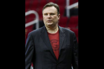 NBA Rockets general manager apologizes for Hong Kong protest tweet