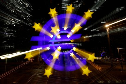 Euro zone investor morale hits lowest level in 6.5 years: Sentix