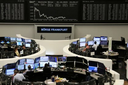 European stocks tumble further as Brexit, trade worries deepen