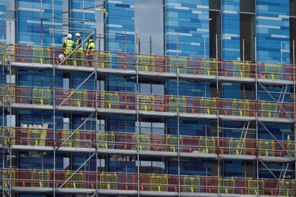 English house builders report weakest demand since 2013
