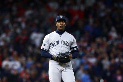 MLB notebook: Yanks' Chapman hurts hand in celebration