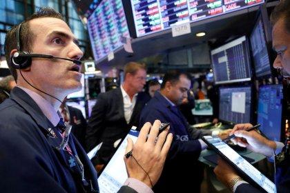 'Bearish paralysis' sees $11.1 billion flow into bonds in past week: BAML