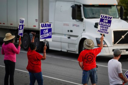 Lengthy UAW strike at GM to cost $1.5 billion: Credit Suisse