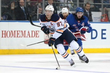 NHL roundup: Oilers stay unbeaten, drop Rangers