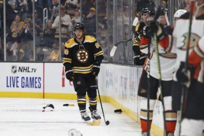 NHL roundup: Pastrnak's 4 goals push Bruins past Ducks