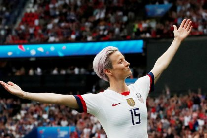 Rapinoe hoping for settlement but holding ground in discrimination suit