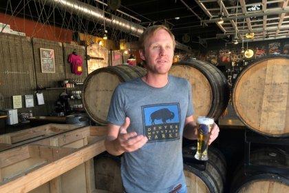 Mientras fluya la cerveza, fluirá la economía, sostenida por el consumo