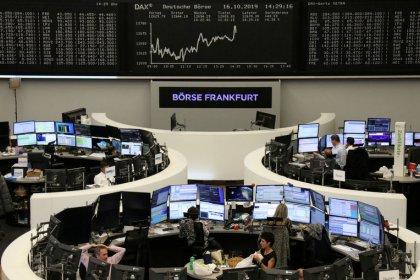 Índices europeus têm leve queda com turbulências sobre acordo do Brexit