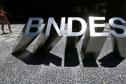 Sale of $29 billion in Brazil government assets hinges on BNDES spat: sources