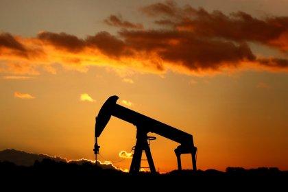 原油先物は横ばい、中国GDPの発表控え