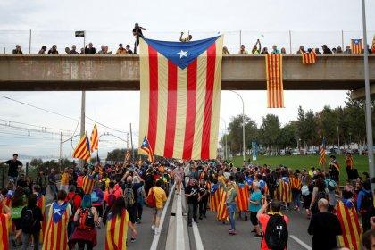Miles de manifestantes llegan a Barcelona en el quinto día de protestas