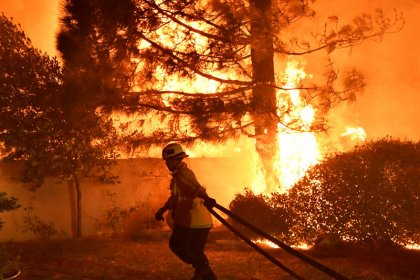 California utility sees decade of power cuts to avoid wildfires