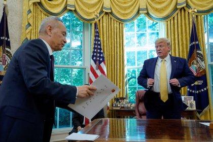 Trump espera que el acuerdo comercial con China se firme a mediados de noviembre