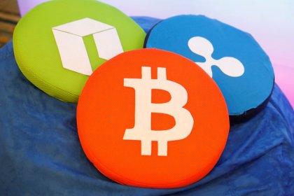 仮想通貨関連銘柄株が軟調、ビットコインの下落で