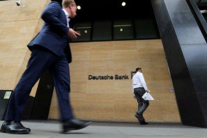 Deutsche Bank shares sink 8% after third-quarter loss