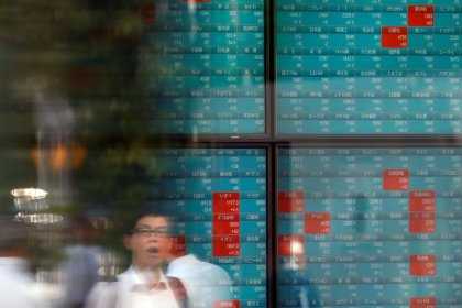Asian shares climb to 14-week highs on hopes U.S., China getting close to trade deal