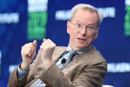 U.S. urged to invest more in AI; ex-Google CEO warns of China's progress