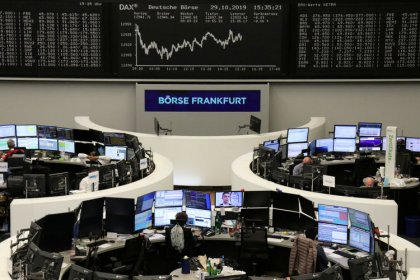 European shares inch higher as financials rise