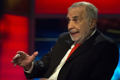 Activist investor Icahn sells nearly a third of his Occidental Petroleum stake