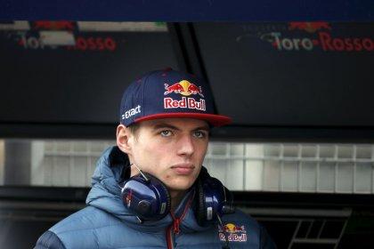 Hamilton's success 'getting a bit boring' for Verstappen