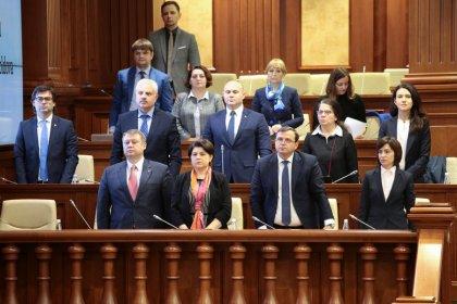 Moldova's fledgling government brought down by no confidence vote