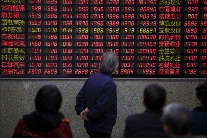 Borsa Shanghai, chiude a minimi sei settimane su commercio, proteste Hong Kong